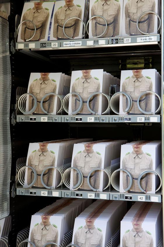 automatic-army-karten-mit-soldaten-in-automaten