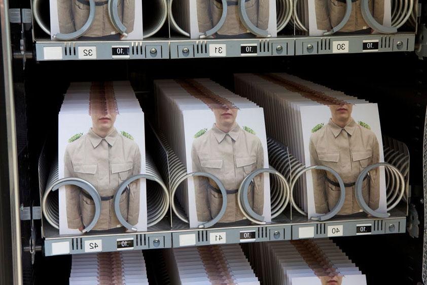 automatic-army-reihen-von-soldaten-in-automat