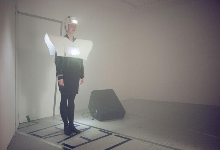 autonom-zwei-levelvier-uniform-mit-portraets